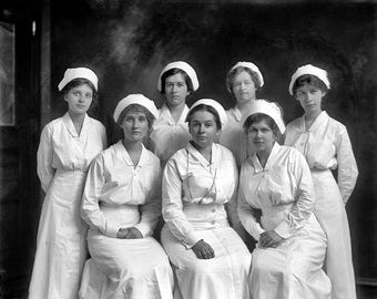 Emergency hospital nurses Group 1910's Photo