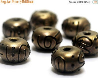 ON SALE 30% off Handmade Glass Lampwork Bead Sets - Seven Golden Pearl Surface w/Black Rondelle Beads 11204801