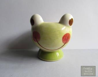 Soft Boiled Egg Cups,Frog,Porcelain Egg Cups,Ceramic Egg Cups,Serving,Breakfast,Brunch,Kitchen,Frog egg cups,Adorable Egg Cups,Green Frog