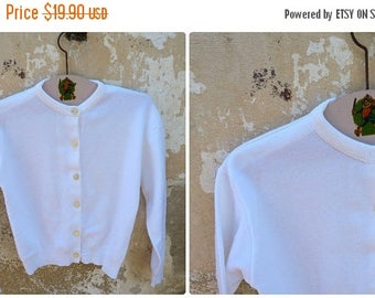 ON SALE Vintage 1960 /60s French  white sweater /size  2 years