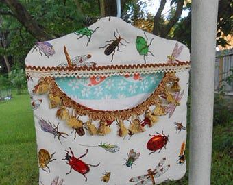 Scrappy IT'S a BUG'S Life Cotton Clothespin Bag, Tassels Rick Rack Trim Roomy Pocket Sturdy Handmade, Pinch Pegs, Hanger Fresh Air Laundry
