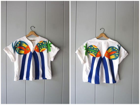 80s Hand Painted Top Boxy White Thin Cotton Tee 1980s Summer Cropped FISH Tee Vintage LECHU ZA Beach Resort Top Shirt Womens Medium Large