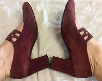SALE - Suede Mary Janes - Spanish designer Elda - suede pumps - Maroon pumps - 1960's vintage - heels -  8 half B - brown - troppobella