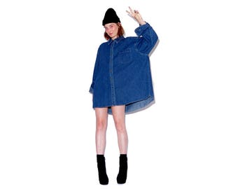 vintage 90s OVERSIZED denim shirt dress / sz 2xl xxl button up shirt denim shirt dress shirt blouse boyfriend shirt 90s clothing 90s grunge
