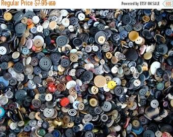 ONSALE 100 Pcs  Vintage Small Button Lot