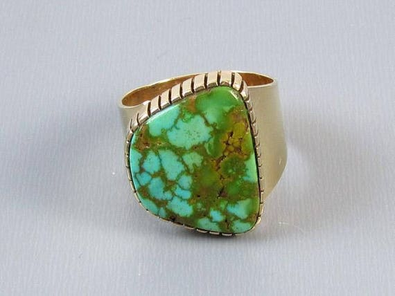Mans or womans unisex vintage Southwest Native American Indian 14k gold wide cigar band ring with large turquoise in matrix 1978, size 8