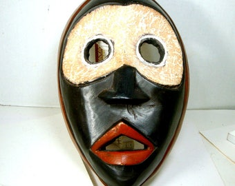 Dramatic African Wood MASK, GHANA Wood Carving Design, 1990s, Wall Sculpture,  Ethnic Tribal Art, Black White Red Face