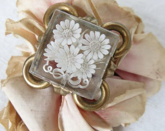 Glorious Vintage French Lucite Brooch, White Daisy Brooch, Curly Brass Frame, Vintage Jewelry, Paris Chic Fashion Accessory, 1910s Pin