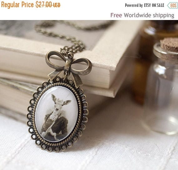 Lady Deer necklace - Vintage style necklace - Victorian jewelry - Vintage inspired necklace - Deer jewelry (N063)