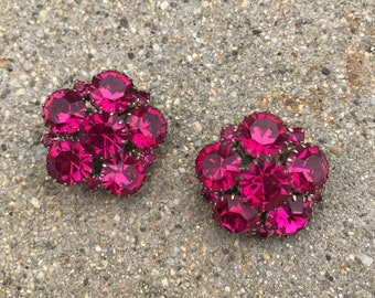 Madeleine Vintage Vibrant Magenta Pink Flower Jewel Costume Clip On Earrings