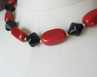Lucite Beaded Necklace, Red, Black, Faceted, 1980s, Lipstick Red, Choker Style, Gold Beads