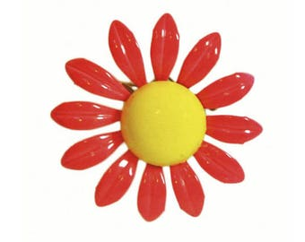1960s Hot Pink and Yellow Enameled Vintage Flower Floral Flower Power Pin Brooch