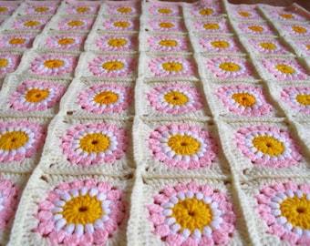 Crochet Baby Blanket Daisy Blanket Baby Afghan Comfort Blanket Baby Shower Gift Granny Square Blanket Pink
