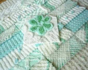 Vintage Chenille Bedspread Squares in HTF Aqua with Daisy- -21-6""