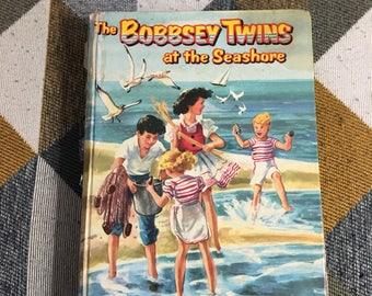 Vintage 1954 The Bobbsey Twins at thr Seashore Laura Lee Hope Hardcover Book