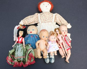 Lot of 7 Vintage Dolls