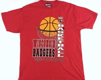 Wisconsin Badgers Basketball t shirt takin it to the hoop