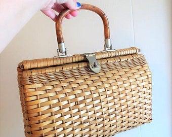 SALE Vintage 1960s Summer Wicker Basket Handbag made in Hong Kong