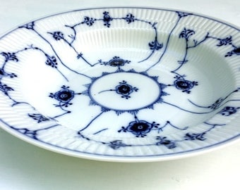 "Vintage Royal Copenhagen Blue Fluted Plain Rimmed Large Soup Bowl,#165, 9 7/8"",Artist Initials,1950s.Reticulated,"