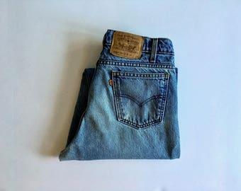Vintage Men's 90's Levi's 550, Jeans, Medium Wash, Denim, Relaxed Fit (W33x L33)