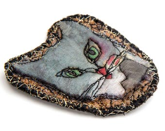 Cat Brooch Textile Pin – Silver gray Felt Art Brooch with Embroidery - Animal Art Pin made in Paris is the perfect gift for cat lovers