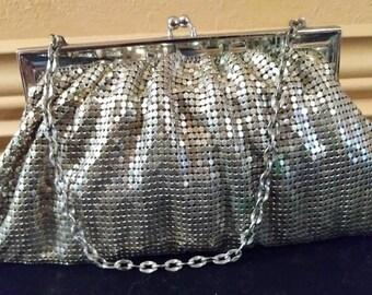 Vintage. 1940'sWhiting Davis Silver Mesh Evening Bag