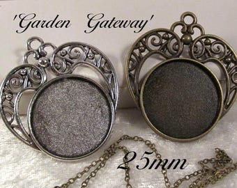 25mm Round - 1 Pc or 3Pcs - Alloy Setting - Antique Silver or Antique Bronze - 'Garden Gateway' : Y53,Y54 (05.06.17)