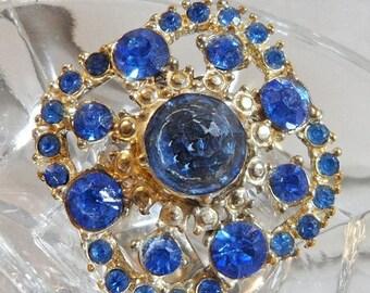 SALE Vintage Royal Blue Rhinestone Brooch. Blue Rhinestone Cluster Pin.