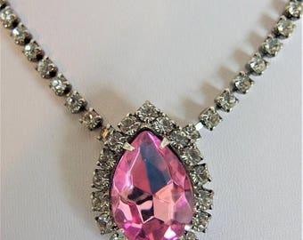 ON SALE Lovely Vintage Pink Rhinestone Pendant Necklace