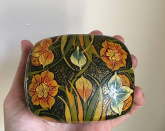 Dalgate Sringer Kashmir Hand Made Painted India Small Jewelry Box • 60s 70s Artist Box