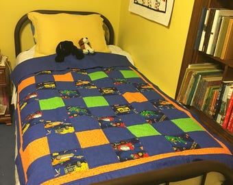 Quilted Throw w/ Wonder Woman Bat Girl Super Girl Superman : construction quilt - Adamdwight.com
