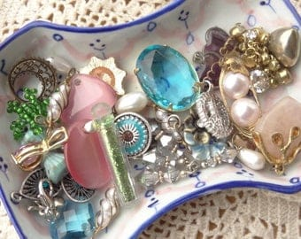 Tiny Jewelry Findings - Vintage Jewelry - Tiny Craft Lot - Rhinestone- Fairy Dust - Pink Charms - Turquoise - Heart D114