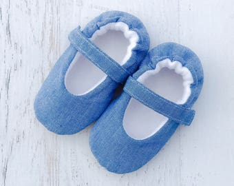 Chambray Mary Jane baby girl shoes, soft sole baby shoes, toddler girl shoes, blue baby girl shoes