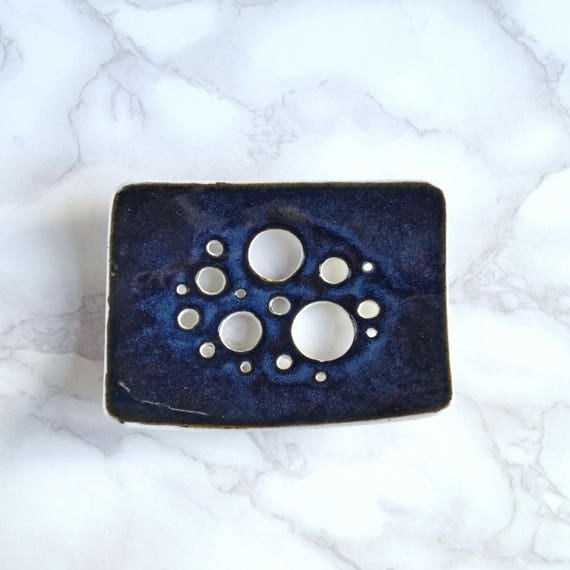 BUBBLE holes soap dish with midnight glaze, white porcelain soap dish, ceramic soap dish, bathroom accessory, geometric design