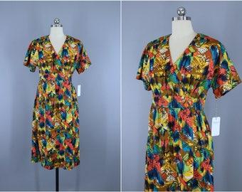 Vintage 1970s Dress / 70s Wrap Dress / 1980s Orange Abstract Print Day Dress / Small S XS