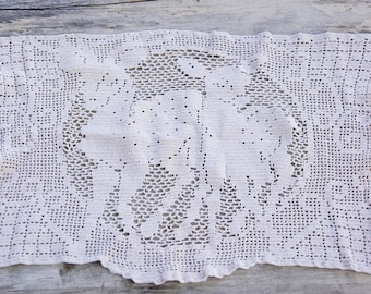 Vintage Filet Crochet Lace Deer/Fawn Doily/Wall hanging/Shabby Chic/Retro/Bohemian Chic/Victorian/Woodland