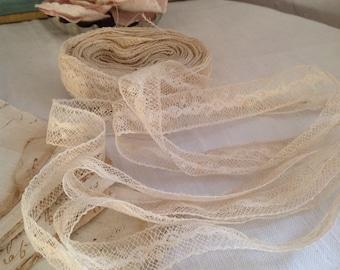 Antique Lace, Vintage Handmade Lace Trim, 19C Cotton Cream Bobbin Border / 3m Vintage Wedding Dolls & Bears - Something Old