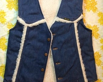 20% SALE Ladies Vintage 1970s Denim Wrangler Sherpa Lined Vest Size Small Retro Women Country