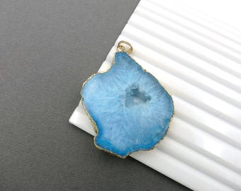 Druzy pendant Geode pendant Agate slice pendant Gold Plated Edge Geode agate Pendant in Light blue color, gemstone Pendant, JSP-0919