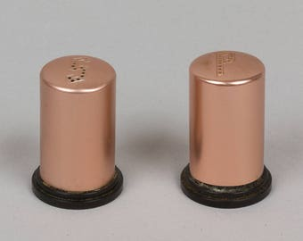Mid century copper salt and pepper shakers Made in the USA Excellent vintage condition