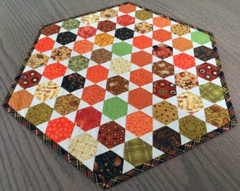Fall Autumn Thanksgiving Quilted Hexagon Table Topper-Quiltsy Handmade