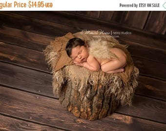 ON SALE Gold Lined Feather Wings, Gender Neutral Wings, Baby Photo Prop, Newborn Photo Prop, Photography Prop, Angel Wings, Baby Wings