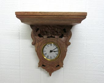 Vintage Wall Shelf With Clock