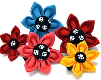 Dog Collar Flower: Black & White Paw Prints