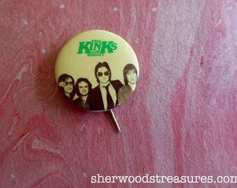 Kinks  Low Budget  1979 Promo Original US  Pinback Button Badge Uncommon Rock and Roll