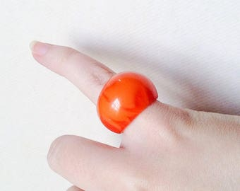 1930s 40s Orange marbled Bakelite domed ring / 1940s 30s swirled Catalin petite small fit pinkie ring