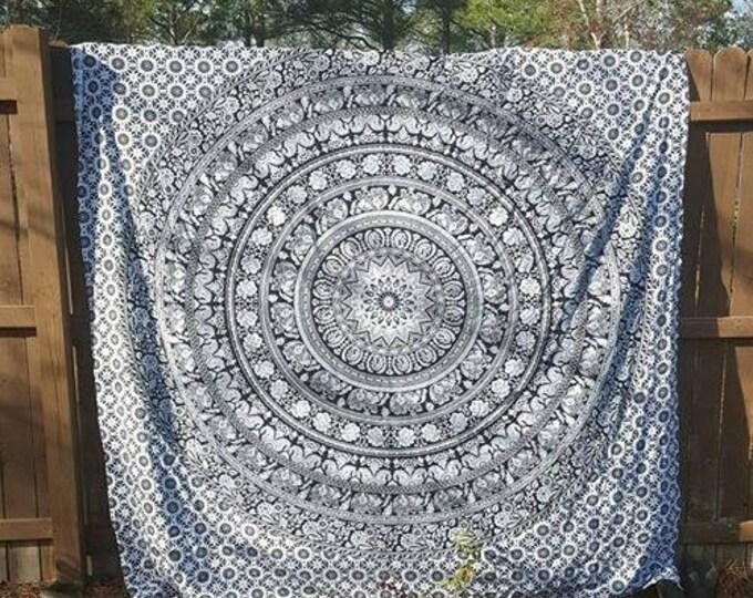 Black and White Mandala Tapestry Boho Hippie Tapestry Wall Hanging Beach Blanket Yoga Mat Meditation Mat Dorm Decor Music Festival Tapestry