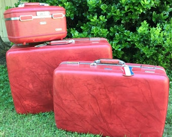 American Tourister Three Piece Luggage Set - Candy Apple Red - Escort Vintage Suitcases