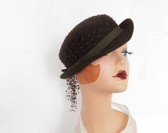 Vintage brown hat, bowler tilt, 1940s 1950s, Glenover