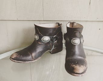 PAIR / Wild West Concho Bootstraps /Western